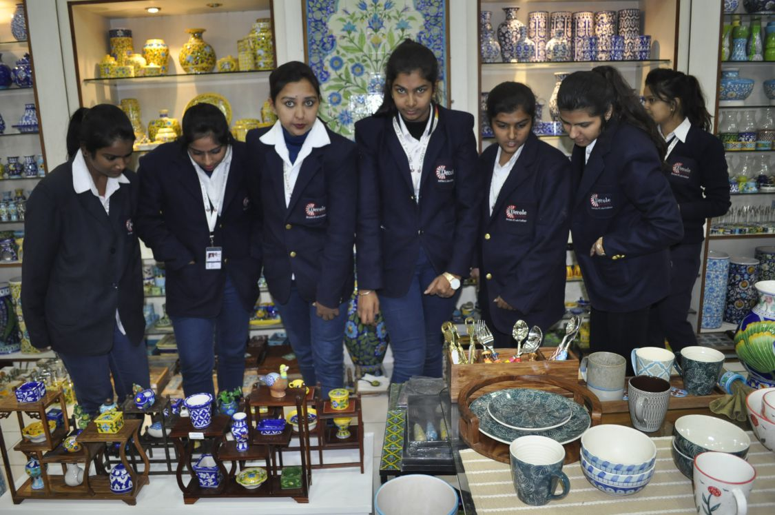 students shopping for neerja blue pottery articles